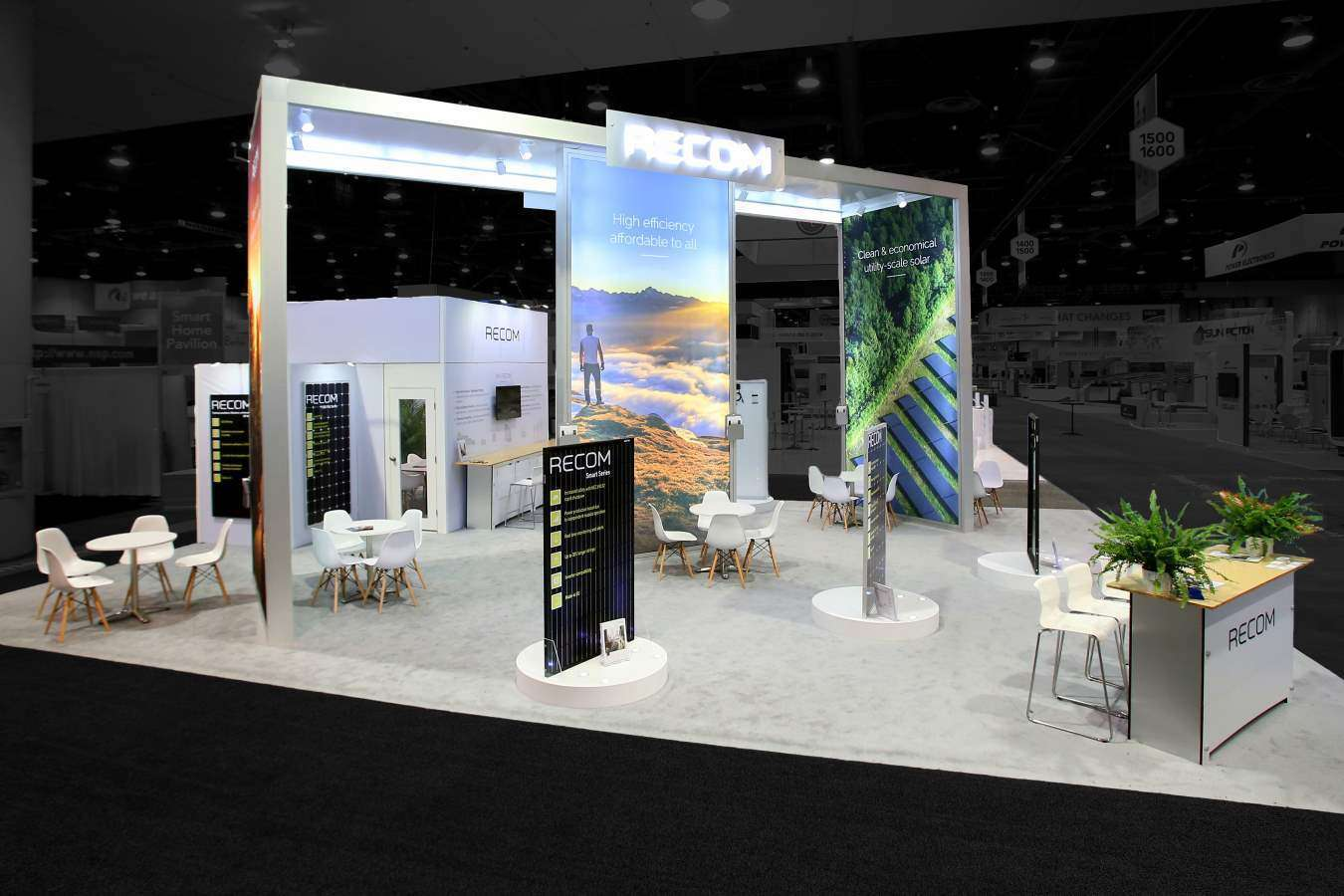 30x40 custom rental exhibit at solar power international las vegas