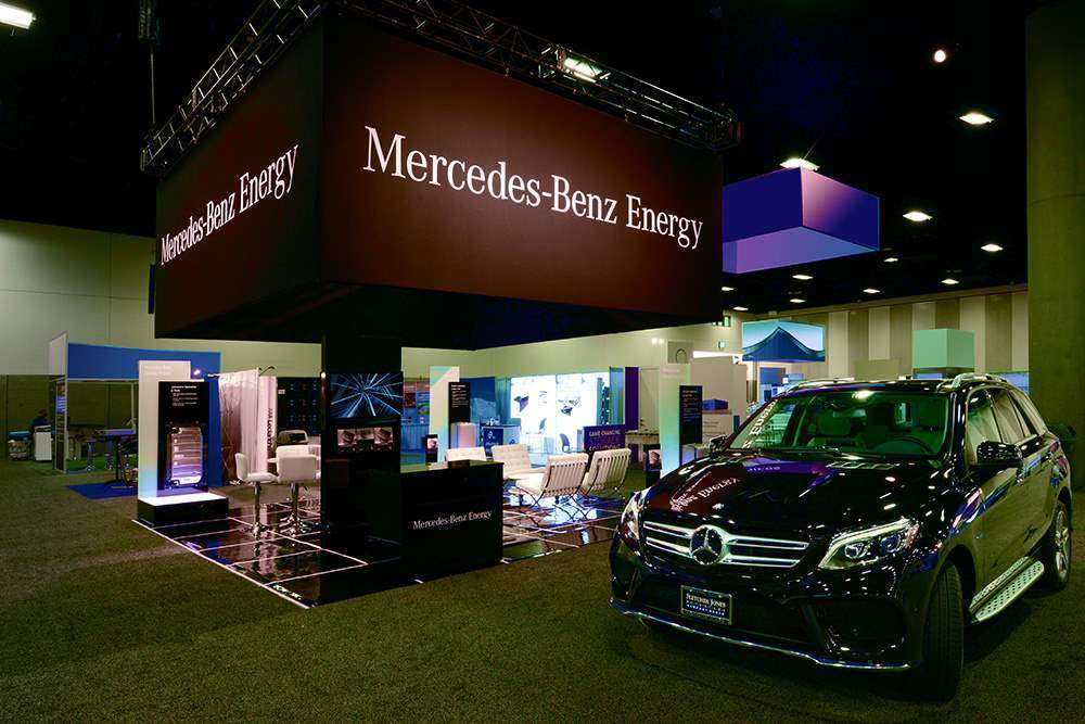 20x20 custom trade show booth @ Energy Storage , San diego for Mercedes-benz energy